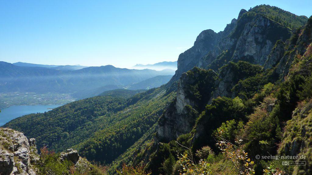Misty peaks / Vrhovi u izmaglici